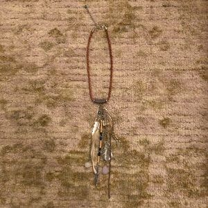 Express Feather Necklace